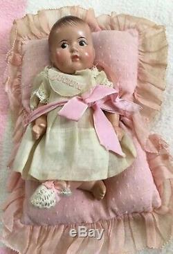 1930s Set (5) Madame Alexander Composition Dionne Quintuplets Baby 7 with Crib