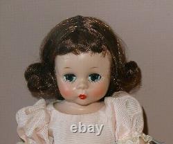 1953 Strung 8 Brunette Alexander-Kin Bridesmaid High Color