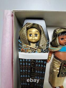 1998 MADAME ALEXANDER EGYPT with SARCOPHAGUS #24110 DOLL SET Box