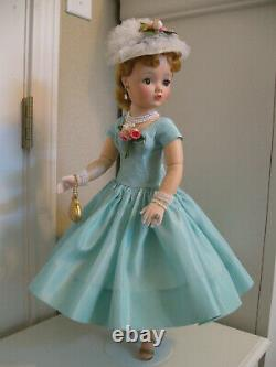 A Beautiful Vintage Cissy Doll Ready For Your Collection (please Read)