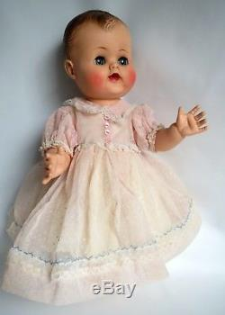 Beautiful 17-1/2 Vintage Madame Alexander Kathy Baby Doll 1961 Molded Hair