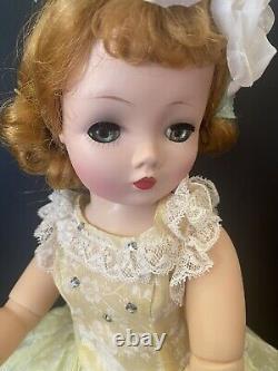 EXQUISITE Vintage Madame Alexander Cissy In VHTF RARE N/M Organdy Bird Sundress