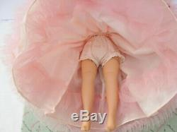Gorgeous Vintage 1963 Madame Alexander CISSETTE Doll Pristine Mint in Box