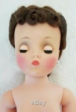 Gorgeous Vintage Madame Alexander Cissy Doll Brunette Updo Pink Tulle Ball Gown