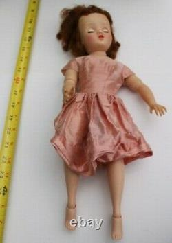HARD PLASTIC ELISE BALLERINA, 16, FROM THE 1950s, WITH WARDROBE