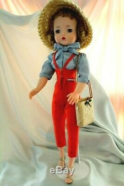 MADAME ALEXANDER Cissy in the 1957 Gardening set with bag/Original hat/No split
