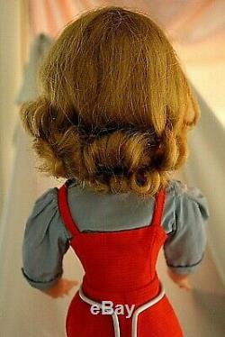MADAME ALEXANDER Cissy in the 1957 Gardening set with bag/Original hat/No split