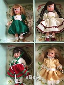 Madame Alexander 12 Twelve Days of Christmas Dolls In Trunk 12 Mini Dolls mint