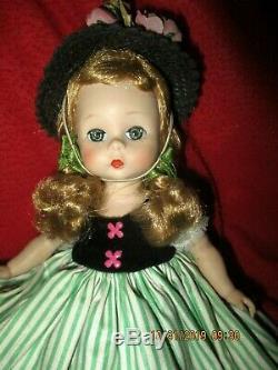 Madame Alexander 1954 Little Victoria #328 Straight Leg Walker 8 Doll