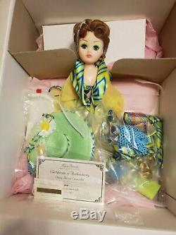 Madame Alexander 21 Cissy Daisy Resort in Box with Accessories Ltd. Ed. 1997