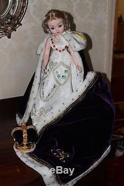 Madame Alexander 21 Queen Elizabeth Recessional