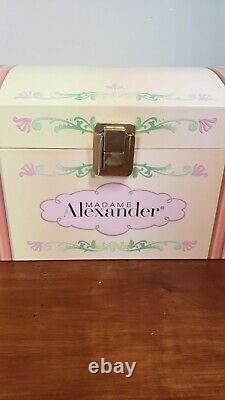 Madame Alexander 80th Anniversary Wendy Trunk Set