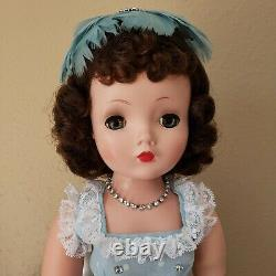 Madame Alexander Cissy, she is nice and clean, all original