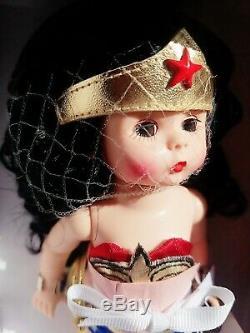 Madame Alexander & DC Comics Wonder Woman in Box 8 Doll #70000