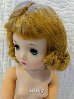 Madame Alexander Infused Cissy Doll Stunning Blonde Minty