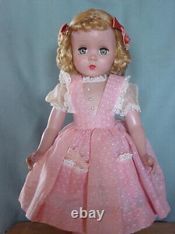 Madame Alexander Vintage Hard Plastic Maggie Teenager In Pristine Rare Dress