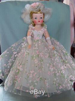Madame Alexander Vintage Hard Plastic Rare Mint- In-box Flowery Cissy Doll