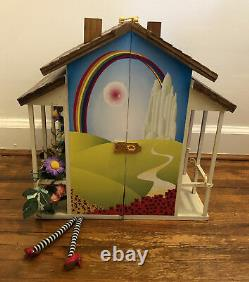 Madame Alexander Wizard Of Oz No Place Like Home Doll House Trunk With Accessories