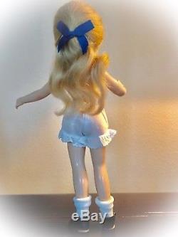 Minty Vintage Madame Alexander 14 Compo Swivel Waist Alice In Wonderland Doll