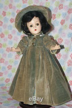 PRETTY! Vintage 14 Madame Alexander Scarlett O'Hara Composition Doll (K)