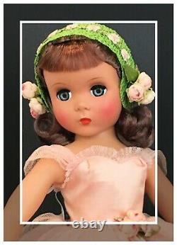 RARE AND RAVISHING! 1951 18 Vintage Madame Alexander Maggie Rosamund Bridesmaid