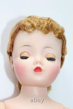 Stunning Infused Madame Alexander Cissy Doll No Cracks Or Splits