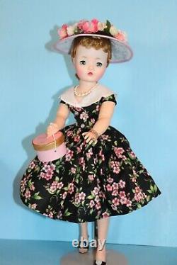 Stunning Vintage Madame Alexander Cissy Doll Minty No Cracks High Color