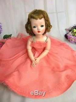 VINTAGE 1950s Madame Alexander CISSY DOLL in TAFFETA TULLE DRESS 20 Tosca hair