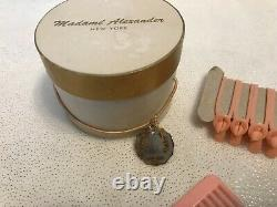 VINTAGE MADAME ALEXANDER CISSY WHITE HAT BOX WithCURLERS AND A COMB #018