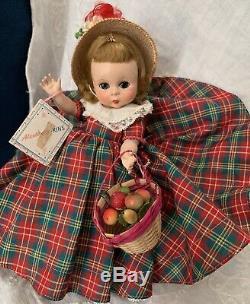 VINTAGE MADAME ALEXANDER-kINS APPLE ANNIE 1953 SLNW MINT CONDITION