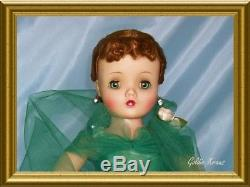 Very Rare Mint Vintage Madame Alexander Evergreen Cissy from 1958 Christmas