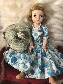 Vintage 1950s Madame Alexander Cissy Doll All Original With Her Box