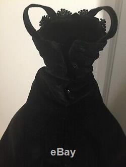 Vintage 1950s Original Madame Alexander Cissys Tagged Black Velvet Gown