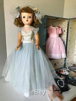 Vintage 1956 Rare Madame Alexander Blonde Blue Eyed Cissy Doll #2030 With Case