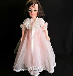 Vintage Jacqueline Kennedy 21 Doll by Madam Alexander -1961 4 Outfits
