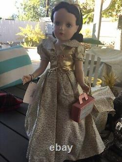 Vintage Madame Alexander 18 Hard Plastic Snow White In Original Outfit Mint Tag