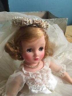 Vintage Madame Alexander 1963 Elise bride #1755, forget me not bouquet