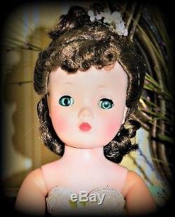 Vintage Madame Alexander Cissy Beautiful 1950 Brunette A True Beauty