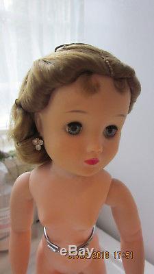 Vintage Madame Alexander Elise Queen Doll