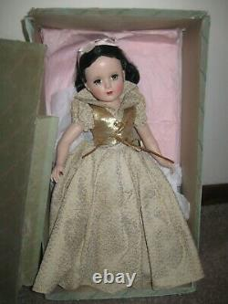 Vintage Madame Alexander Snow White Doll 18in Mint Hard Plastic With Box